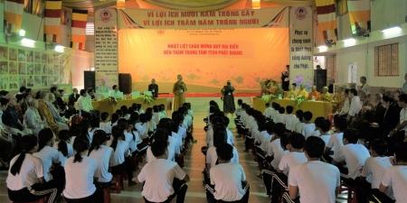 Thăm một cơ sở từ thiện của Phật giáo Kiên Giang