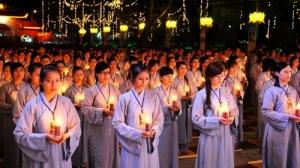 Phụ nữ học Kinh Phật là đang tích đức cho chồng con