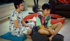 Thiền định giúp trẻ em Singapore thích ứng với căng thẳng