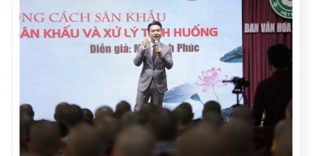 """MC Hạnh Phúc chia sẻ: """"Phong cách sân khấu, giao lưu sân khấu và xử lý tình huống"""""""