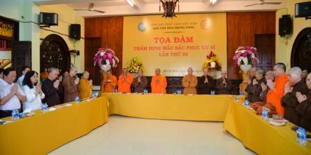 Sắc phục cư sĩ Phật giáo góp phần giữ gìn nét đẹp văn hoá Việt Nam