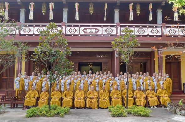Trường hạ Hưng Khánh tổ chức lễ bế giảng lớp an cư kiết hạ 2020 & lễ dâng Y