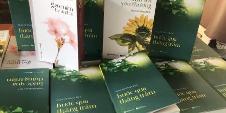 """TP. Hồ Chí Minh: Sư cô Nhuận Bình Ra mắt sách """"Bước qua thăng trầm"""""""