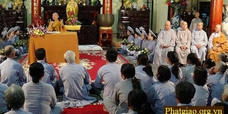 Đà Nẵng: Hàng vạn phật tử thính Pháp tại chùa Quang Minh