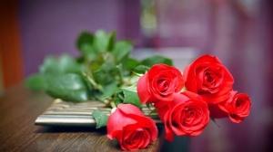 Phụ nữ thích nhất quà tặng nào trong ngày 8/3?